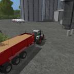 Sojabohnen auf dem Weg ins Silo