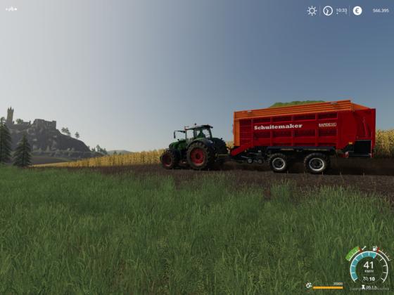 Fendt Vario 930 am Mais fahren