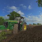 John Deere 8270R bei der Bodenbearbeitung